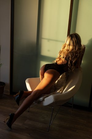 Marie-berengere korean escort girl